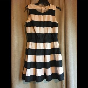 GAP Black and white striped dress